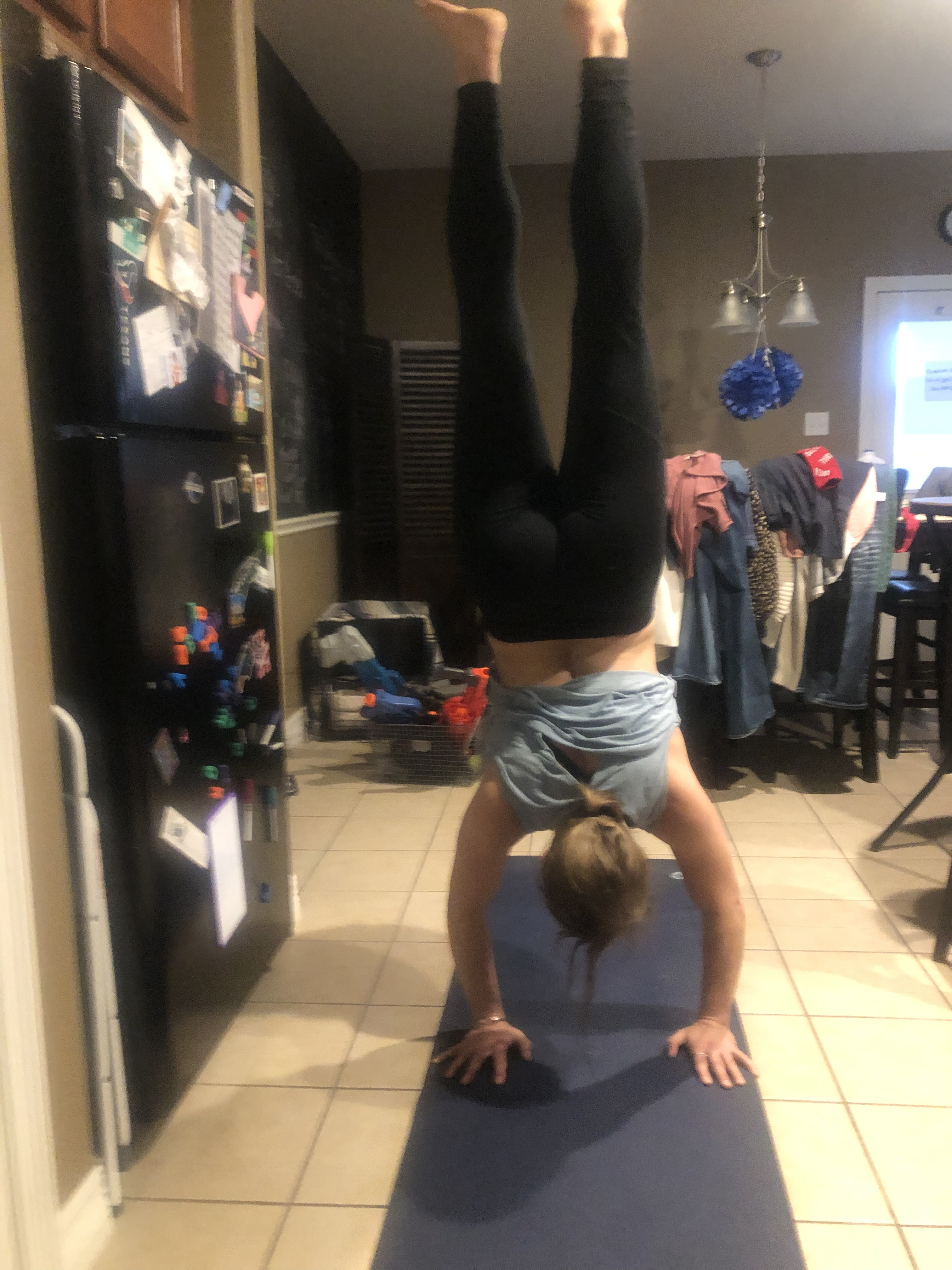 One sexy headstand